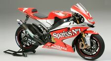Tamiya 14100 1/12 Scale Model Kit Fortuna Yamaha YZR-M1 MotoGP'04 Checa/Melandri