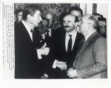 PHOTO U.S. PRESIDENT RONALD REGAN/SOVIET LEADER MIKHAL GORBACHEV MOSCOW