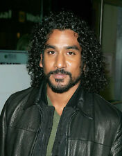 Naveen Andrews UNSIGNED photo - D1001 - Lost, Sinbad & Planet Terror