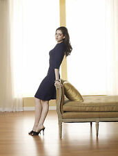 Anne Hathaway Unsigned 8x10 Photo (48)
