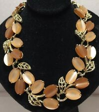 LISNER NECKLACE  Thermoset plastic -vintage- Coral And Gold Tone- Signed