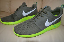 New Nike Mens Roshe M One Run Running Shoes 669985-200 Sz 9 Medium Olive