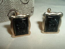 VINTAGE ROMAN SOLDIER CARVED ONYX CAMEO CUFFLINKS IN GIFT BOX