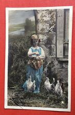 CPA. 1905. Petite Fille. Poules. Stebbing. Campagne.