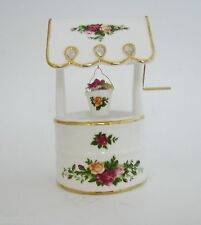 WHITE ROYAL ALBERT OLD COUNTRY ROSES PORCELAIN WISHING WELL MUSIC BOX
