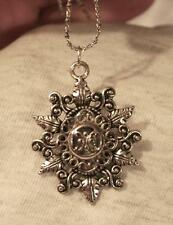Lovely Swirled Leafy Starburst Raised Swirl Cluster Filigree Silvertone Necklace