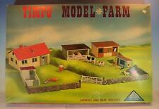 Timpo Toys Model Farm Gebäude & Figuren mit Spielunterlage in O-Box #854