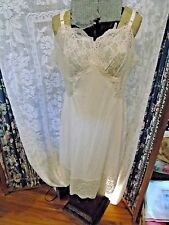 Vintage FAncy womens full slip Gossard Artemis- size 40 Tons of lace GREAT cond