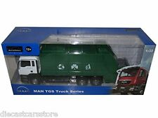 Automaxx Joy City 1/32 Scale MAN TGS Garbage Truck With Working Bin 653601GRN