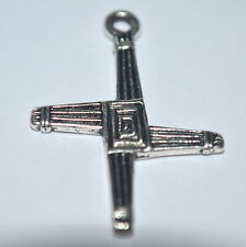 10 St. BRIDGET'S KNOT CROSS 2D Pagan Celtic Charms Tibetan Alloy NEW Exclusive