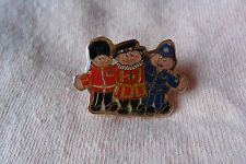 Queen's Guard,Beafeater,Policeman pin label badge