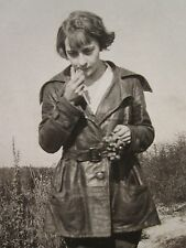 ANTIQUE VINTAGE ARTISTIC AMERICAN GIRL LEATHER RED GRAPES BOOTS FLORA OLD PHOTO