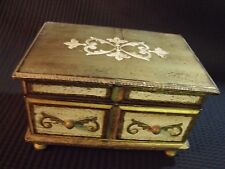 VINTAGE SHABBY CHIC 60'S HAND PAINTED WOOD MUSICAL JEWELRY BOX, NICE.