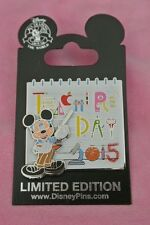Disneyland Walt Disney World Teacher's Day 2015 Mickey Mouse Nerd Le 2000