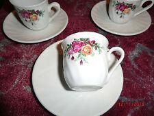 3 kleine Tassen mit Unterteller von Schloß Amalienburg -- Markenporzellan--,