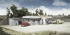 """Walthers Cornerstone HO Scale Miss Bettie""""s Diner Kit"""