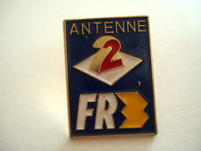PINS TELEVISION TV ANTENNE 2 FR3