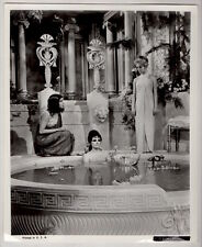 ELIZABETH TAYLOR  as CLEOPATRA at bath VINTAGE PHOTO