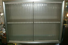 vINTAGE MID CENTURY METAL WALL CABINET TRANSLUCENT GLASS DOORS KITCHEN BATHEROOM