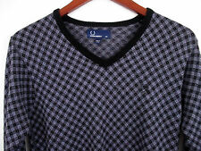 Fred Perry XS V neck Pull over Sweater Purple Argyle With Logo 100% wool