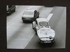 VW Käfer mit Bootsanhänger - Presse-Foto Werk-Foto pressfoto (V0064