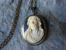 JESUS CROWN OF THORNS CAMEO LOCKET -BRONZE, RELIGIOUS, GOD, CHRISTMAS, EASTER