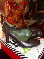 Sofft Dark Brown Leather Mary Jane Flapper Style F Heels Pumps Shoes 8 1/2 M