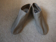 Tan/Caramel CG05 slip on split sole jazz dance ankle shoes - size UK Adult 9.5