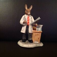 Royal Doulton - professionals collection - Doctor Bunnykins - DB381
