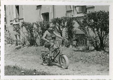 PHOTO ANCIENNE - VINTAGE SNAPSHOT - VÉLO BICYCLETTE FILLE - BIKE GIRL