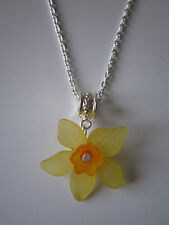 Ladies 17 inch Daffodil Necklace, Silver Plated - Yellow Lucite Flowers