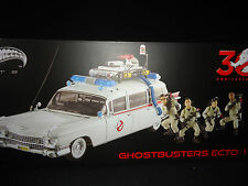 Hot Wheels Elite Cult Classic Ghostbuster ECTO 1 with figures 1/18