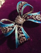 VINTAGE  1950 'S SILVER METAL AND ENAMEL BOW BROOCH