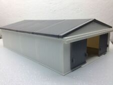 1/64 ERTL WHITE/GRAY MACHINE SHED