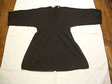 VINCE 100% CASHMERE DK.GRAY LADIES SWEATER BABY DOLL DESIGN LOW V-NECK  SIZE XS