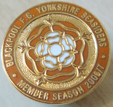 BLACKPOOL FC YORKSHIRE SUPPORTERS CLUB No55 badge Brooch pin In gilt 24mm Dia