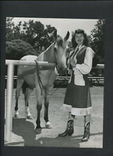 AVA GARDNER IN A WESTERN OUTFIT WITH A HORSE - 1940s VINTAGE CANDID PHOTO