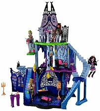 MONSTER HIGH FREAKY FUSION CATACOMBS PLAYSET DOLLHOUSE NEW 4 FOOT TALL! DOLL