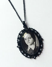 ADDAMS FAMILY PHOTO PENDANT/NECKLACE - CHRISTINA RICCI AS WEDNESDAY (GOTHIC)