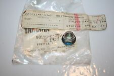 1 NOS YAMAHA SNOWMOBILE MOTORCYCLE NUT 90179-08299