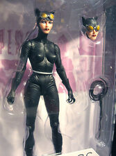 DC: Jae Lee Designer series: CATWOMAN figure - (capullo/batman/statue/superman)