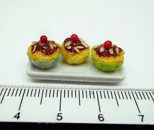 1:12 Scale  3 Cup Cakes  On A Plate Dolls House Miniature