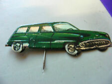 CHRYSLER Saratoga station wagon ,Very Old car-shaped Pin Badge,.1950s (Red).