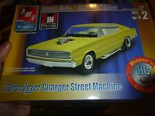 AMT 1967 DODGE CHARGER STREET MACHINE 1/25 MODEL CAR MOUNTAIN KIT OPEN