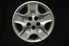 "(1) New 15"" Toyota Celica wheel cover (hubcap) (2000-2005) Hollander #61105"