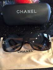 Authentic CHANEL SUNGLASSES SWAROVSKI CRYSTAL with CRYSTAL CASE NEW