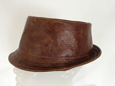 Jill Corbett pork pie hat battues en cuir marron fait main pour commander au royaume-uni