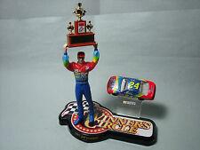 FIGURINE  1/18  PEINTE JEFF  GORDON  NASCAR  CHAMPION  1997  LIVREE  EN  DIORAMA