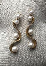 Oscar De La Renta CRYSTAL PAVÉ WAVE PEARL Earrings