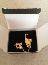 VINTAGE AVON PERFECT LOVE PIN CAT / KITTEN 1996  ~NEW IN BOX~.